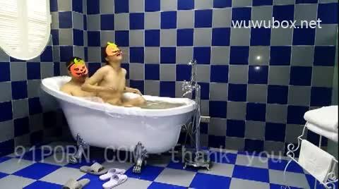 浴缸边洗澡边花样逼